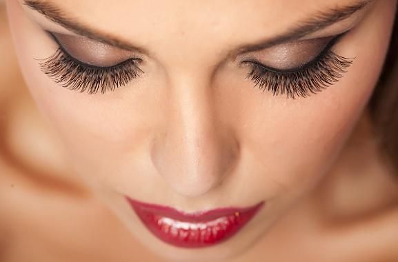 Trucco Permanente (sopracciglia,occhi,labbra) - Estetica i Narcisi